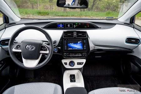 Nowa Toyota Prius PREMIUM 1.8 Hybrid 122 KM-E CVT fot. Jakub Baltyn (3)