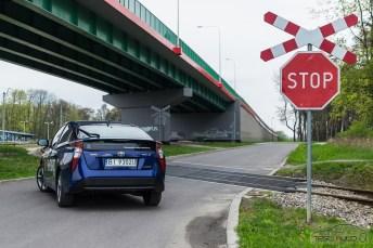 Nowa Toyota Prius PREMIUM 1.8 Hybrid 122 KM-E CVT fot. Jakub Baltyn (35)