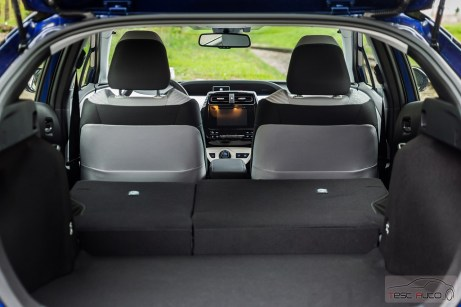Nowa Toyota Prius PREMIUM 1.8 Hybrid 122 KM-E CVT fot. Jakub Baltyn (50)