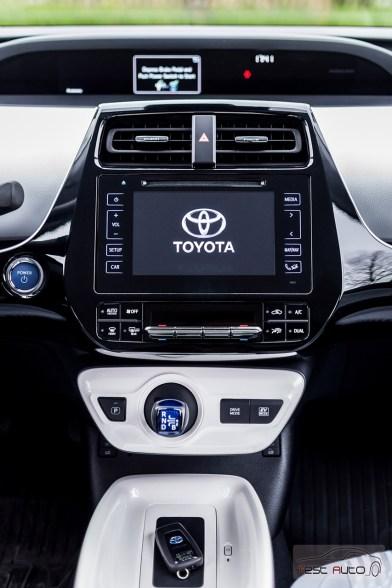 Nowa Toyota Prius PREMIUM 1.8 Hybrid 122 KM-E CVT fot. Jakub Baltyn (57)