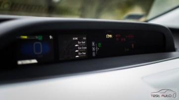 Nowa Toyota Prius PREMIUM 1.8 Hybrid 122 KM-E CVT fot. Jakub Baltyn (64)