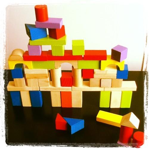 Des cubes en bois pour constructions ph m res testinaute home for Construction cube bois