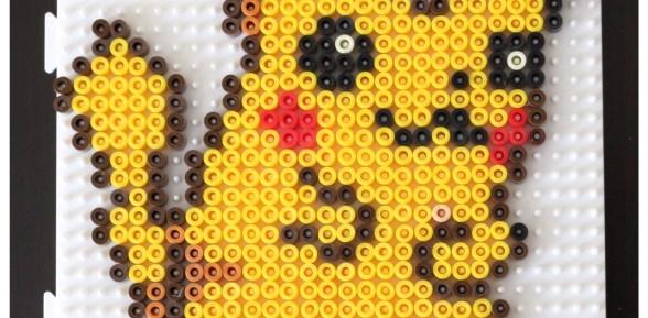 Pokéball et Pikachu en perles à repasser #pixelart
