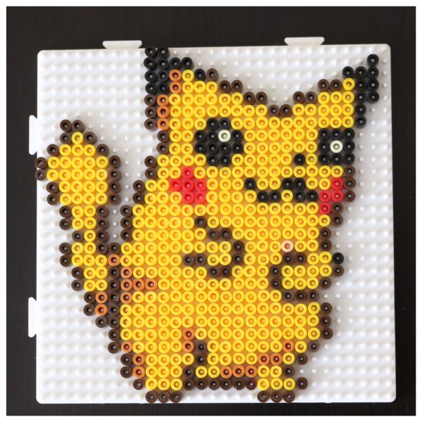 pok ball et pikachu en perles repasser pixelart testinaute home. Black Bedroom Furniture Sets. Home Design Ideas