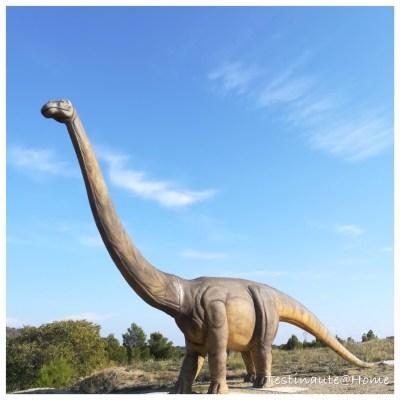 le diplodocus du parc Dinosaur'Istres