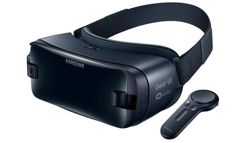 Samsung GEAR VR headset with remote control