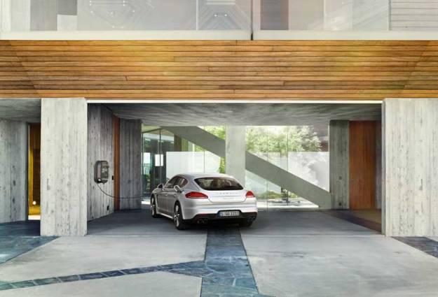 2014-Porsche-Panamera-S-E-Hybrid