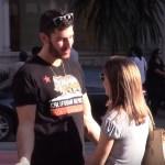 Como beijar mulheres desconhecidas na rua