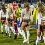 Time europeu entra em campo com modelos de lingerie no Valentine's Day