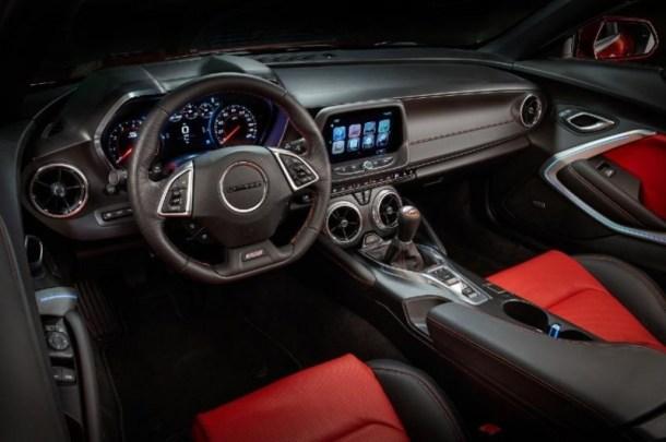 7-Chevrolet-Camaro-interior-800x531