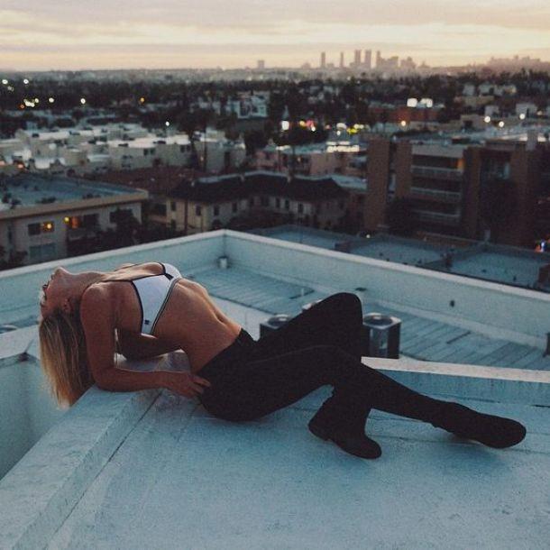 mulher-telhado-4