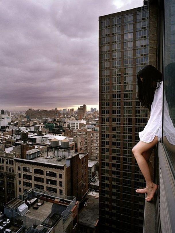 mulher-telhado-6