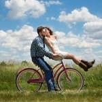 4 aplicativos te ajudam a encontrar alguém até o Dia dos Namorados