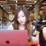 Ela usou uma calcinha vibratória na sala de aula, e o namorado filmou
