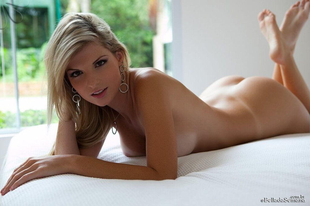 Angelica Woicichoski