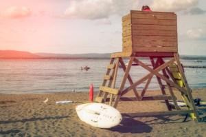 beach-boat-fun-1677-526x350