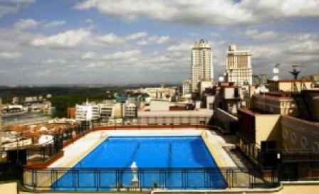 Terraza del hotel emperador Te Veo en Madrid