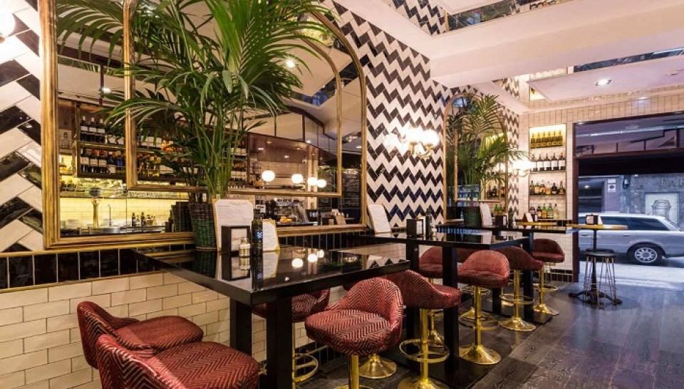 restaurante_toque_de-_sal_mesas_zona_de_barra_te_veo_en_madrid