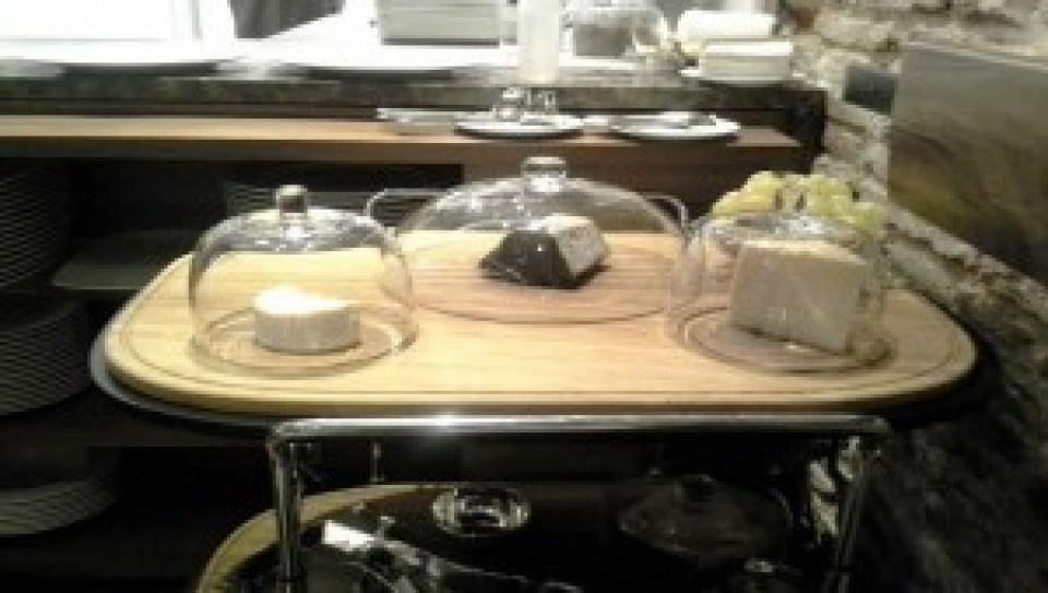 restaurante_hortensio_carrito_quesos_te_veo_en_madrid