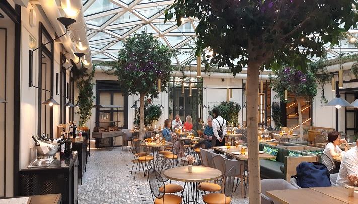 Terraza Restaurante Hotel Pestana En El Corazón De Madrid