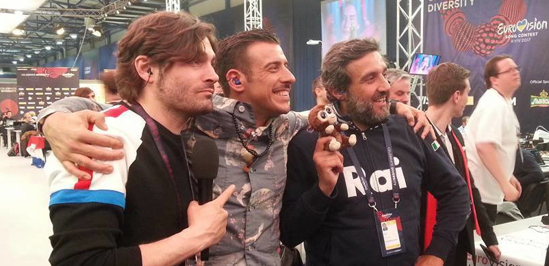 Federico Russo, Francesco Gabbani e Flavio Insinna