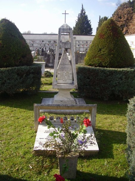 Monumento ai Partigiani al cimitero di Sansepolcro