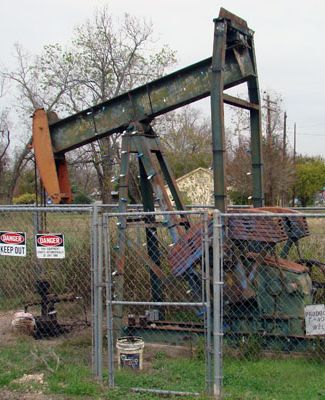 Pump jack in Boling Texas