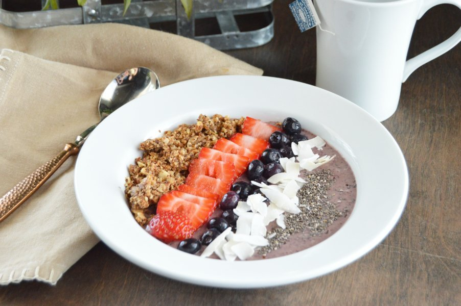 Low Carb Acai Berry Bowl | Tales of a Texas Granola Girl