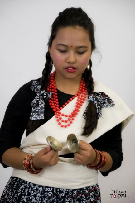 newari-cultural-dress-photo-irving-texas-20110227-16