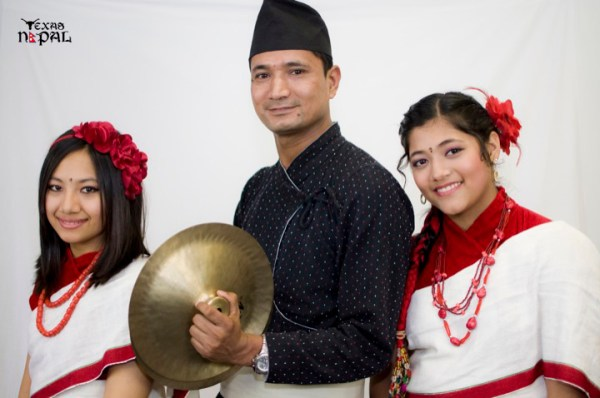 newari-cultural-dress-photo-irving-texas-20110227-44