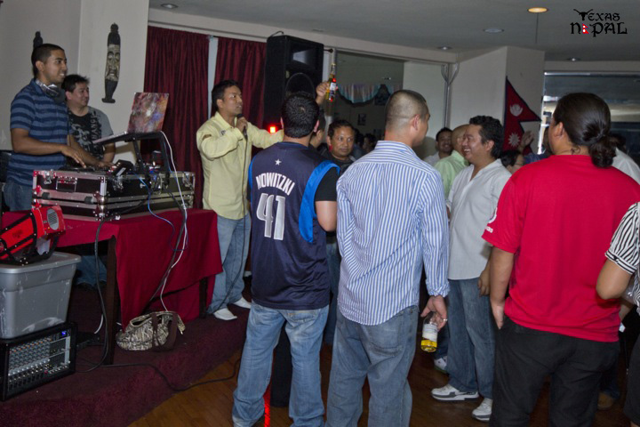texas-nepal-basketball-fundraising-party-20110624-24