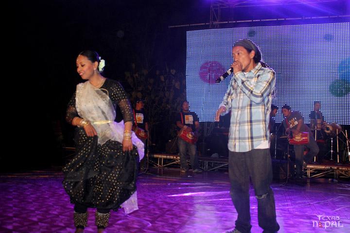 momo-mania-kathmandu-20120310-103