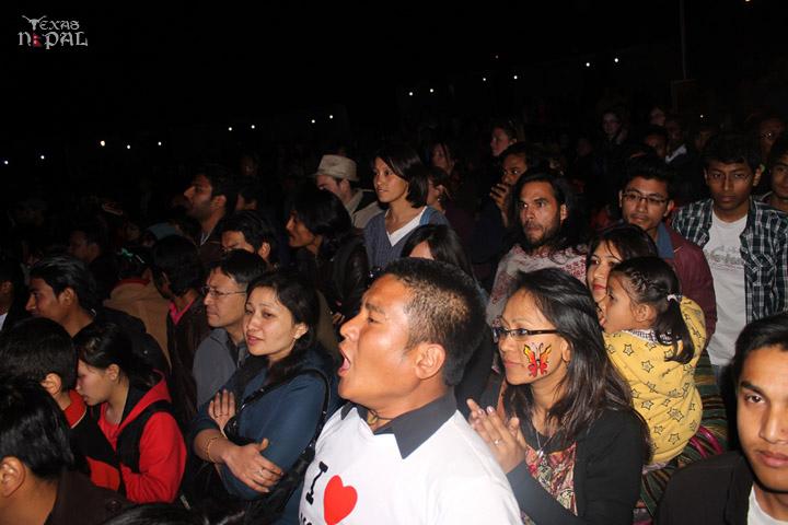 momo-mania-kathmandu-20120310-114
