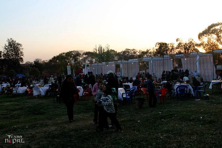 momo-mania-kathmandu-20120310-42