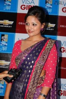 visa-girl-first-look-20120621-23