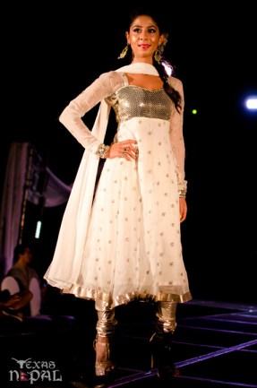 ana-fashion-extravaganza-20120630-109
