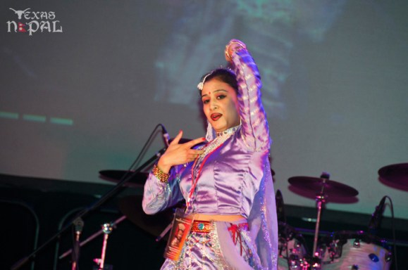 ana-supernova-talent-show-20120629-79