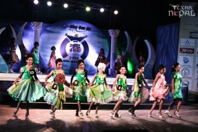 miss-little-newa-2012-3
