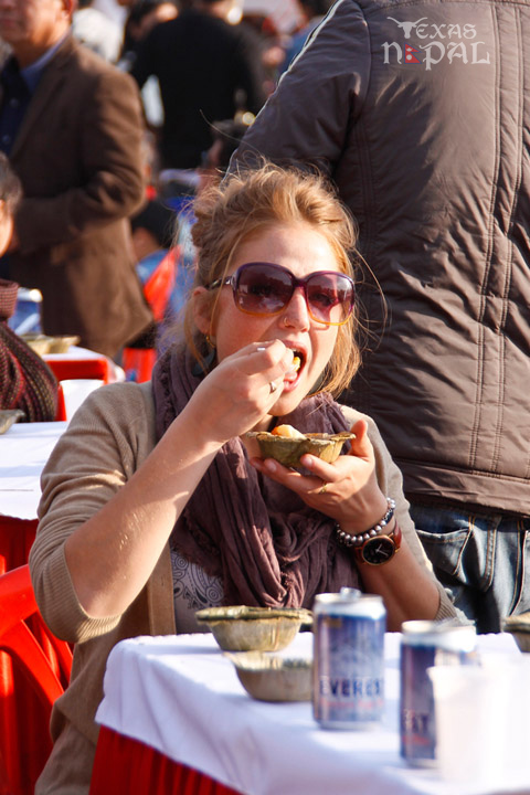 momo-mania-kathmandu-20130223-23