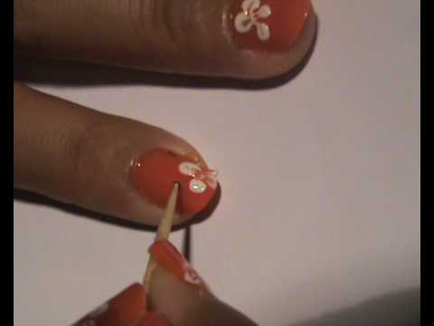 Simple Flower Nail Art for Beginners [Fashion Friday]