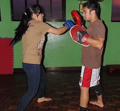 KICKING AND BOXING FOR FITNESS