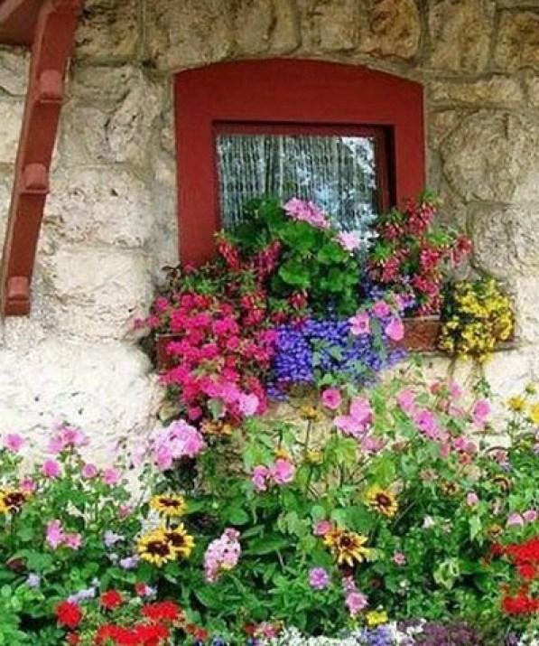 Διακόσμηση μπαλκονιού με λουλούδια32