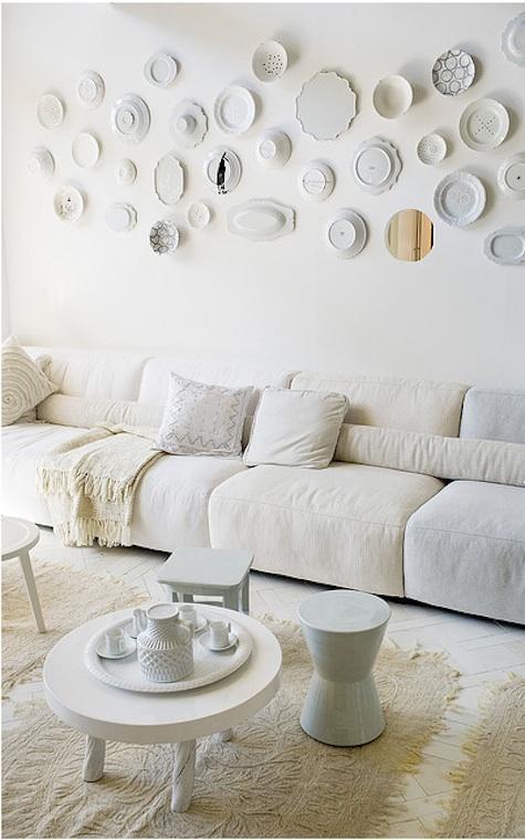 Λευκά πιάτα, σαν ντεκόρ τοίχων2