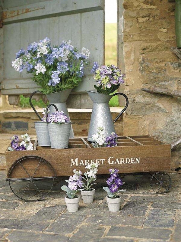 Λουλούδια σε κάθε γωνιά4