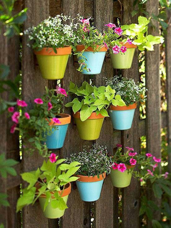 DIY WallArt Ιδέες για τον φράχτη του Κήπου σας16