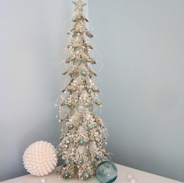 Επιτραπέζια χριστουγεννιάτικα δέντρα17