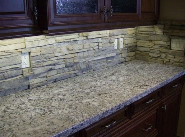 ιδέες με πέτρες, τούβλα και βότσαλα για τοίχους κουζίνας15