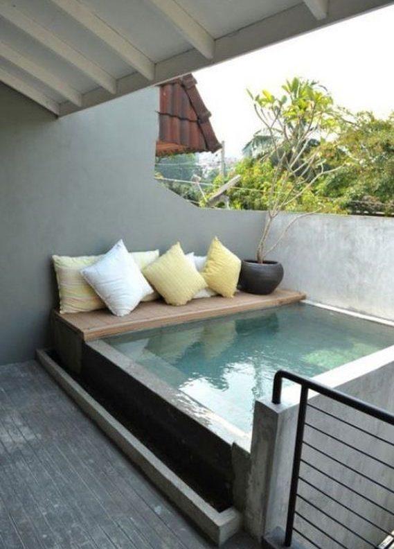 μικρή πισίνα στον κήπο26