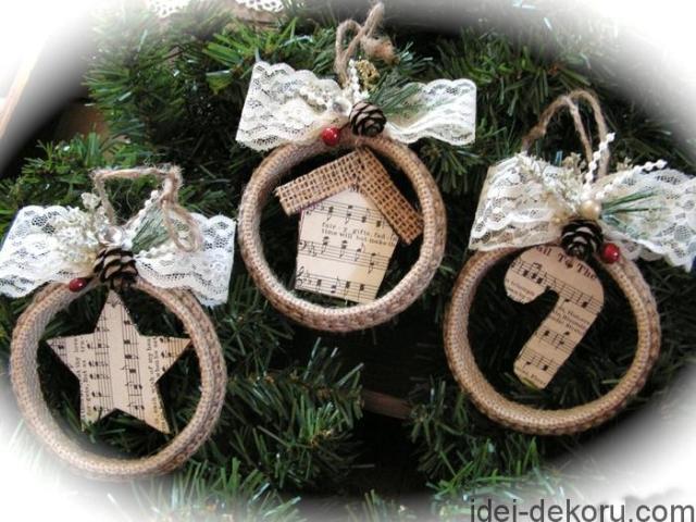 Χριστουγεννιάτικα στολίδια από λινάτσα50
