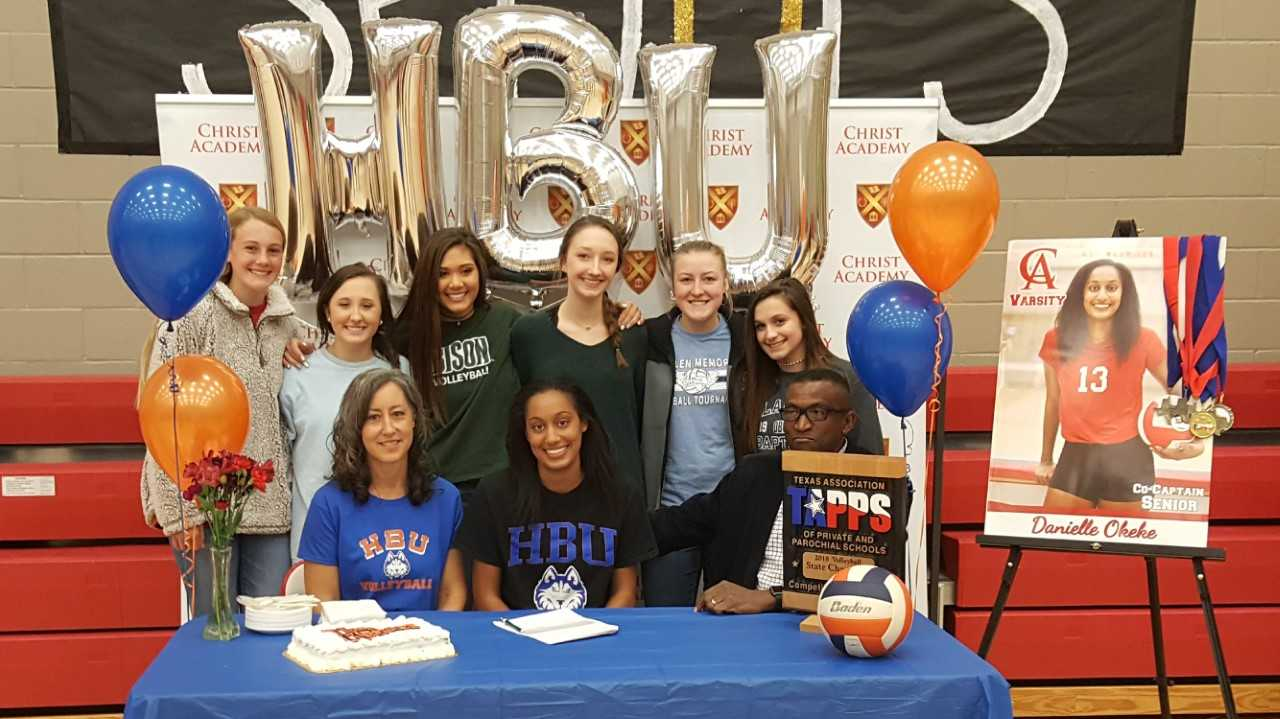 lady warriors signing_1543277737285.jpg.jpg